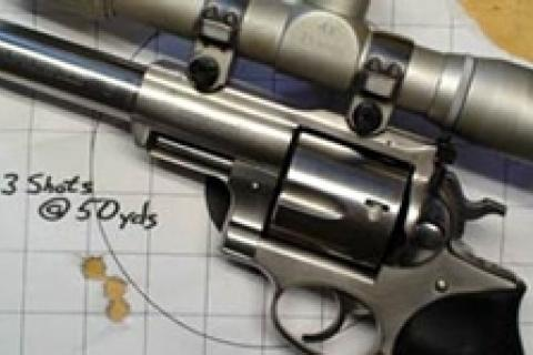 News & Tips: How to Choose a Handgun for Hunting