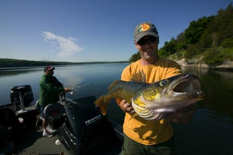 News & Tips: Walleye Lessons from the South